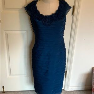 Adriana Papell sleeveless navy blue dress sz 6